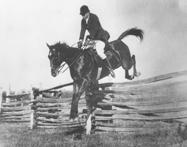 Success, winner of the Genesee Valley Point-to-Point and Harry Worcester Smith, MFH, in the Loudoun country, 1910. National Sporting Library & Museum Images Collection.
