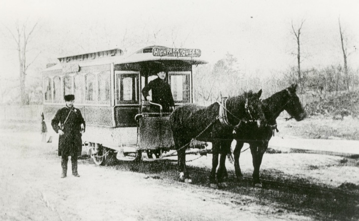 horse-drawn_rail_car_of_the_toronto_street_railway_company_circa_1889
