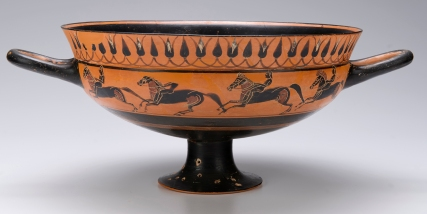 Attributed to the Malibu Painter or to the C Painter Greek (Attic) Black-Figure Siana Cup, ca. 570-565 BCE A: Jockeys racing; B: Hoplites crouching Terracotta, Private Collection